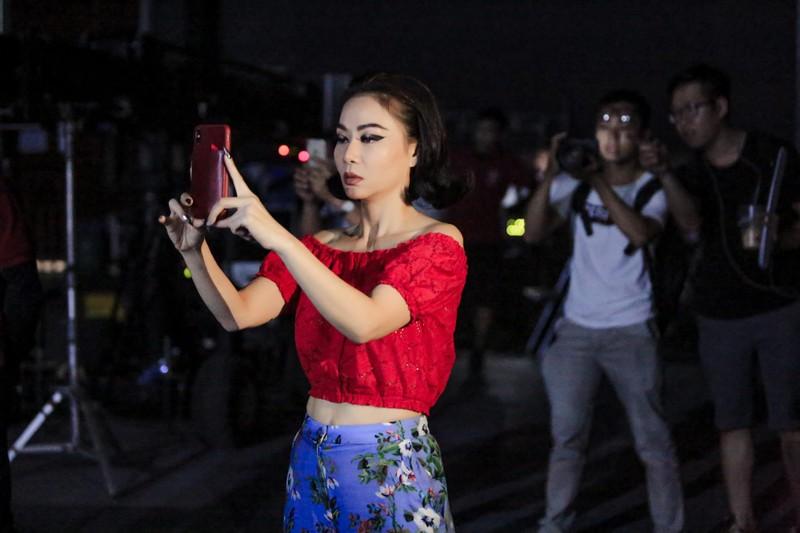 Trấn Thành 'lật mặt' Thu Minh chơi Facebook 'không giống ai' - ảnh 4