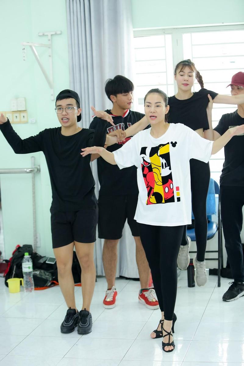 Hari Won hào hứng đón tiếp 'báu vật Hàn Quốc' Kim SoHyang  - ảnh 6