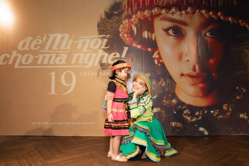 Một ngày vào vai Mị Hoàng Thuỳ Linh thu về hơn 2,5 triệu views - ảnh 5