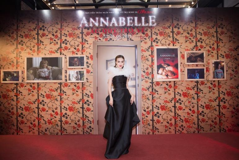 Dàn sao Việt chào đón sự trở lại của búp bê quỷ ám Annabelle  - ảnh 2