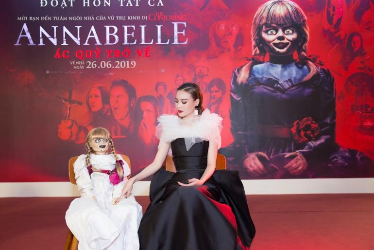 Dàn sao Việt chào đón sự trở lại của búp bê quỷ ám Annabelle  - ảnh 1