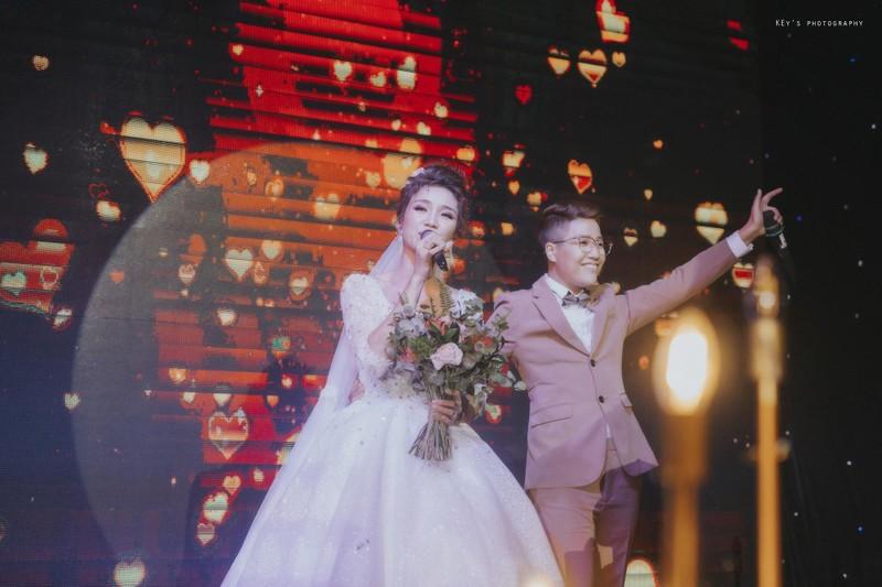 Tú Tri và đạo diễn chuyển giới Yun Bin có một đám cưới ấm cúng - ảnh 2