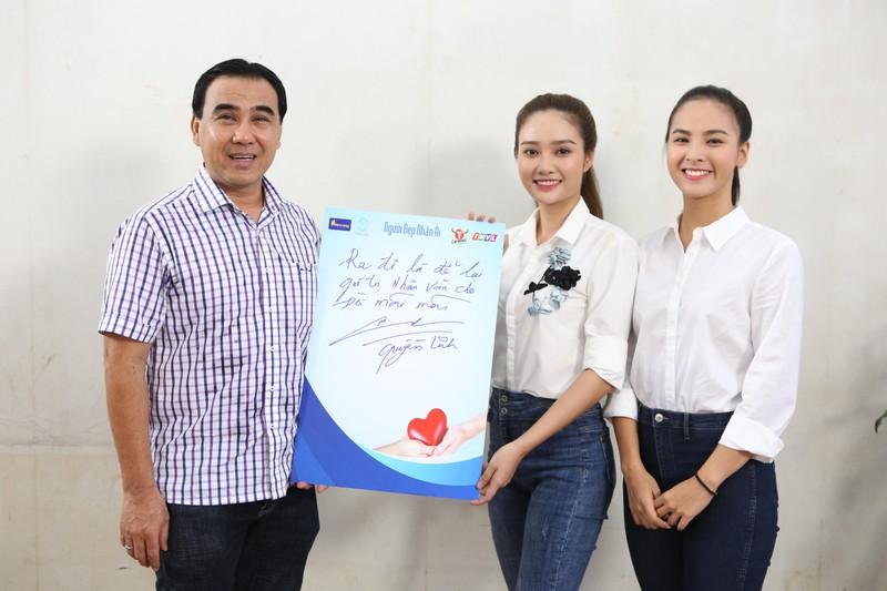 MC Quyền Linh, hoa hậu Đỗ Mỹ Linh cùng hiến tạng cứu người  - ảnh 2