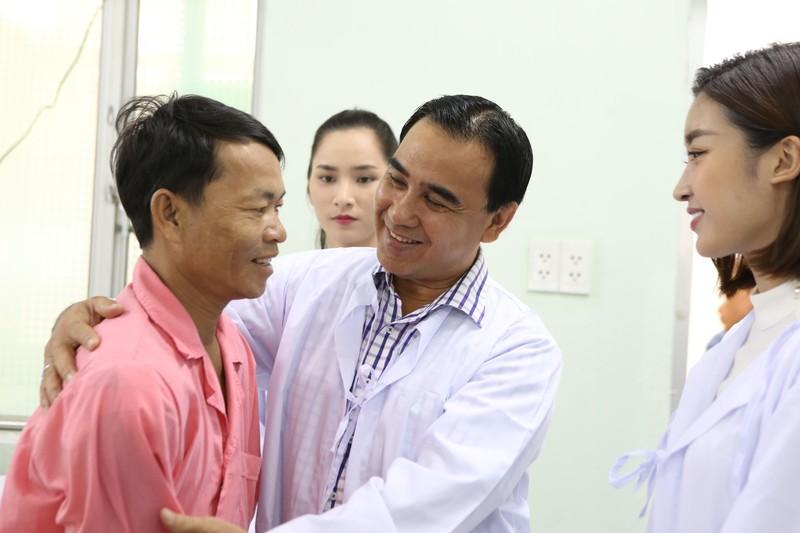 MC Quyền Linh, hoa hậu Đỗ Mỹ Linh cùng hiến tạng cứu người  - ảnh 4