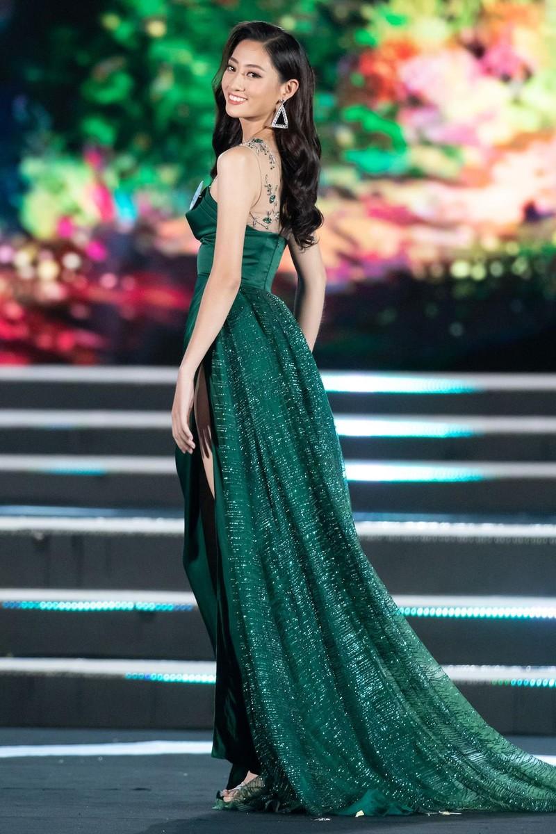 Ngắm nhan sắc tân Hoa hậu Thế giới Việt Nam Lương Thùy Linh - ảnh 10
