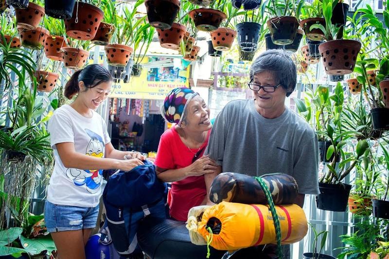 Ngưỡng mộ tình yêu của vợ chồng phượt thủ U-70 ở Sài Gòn - ảnh 5