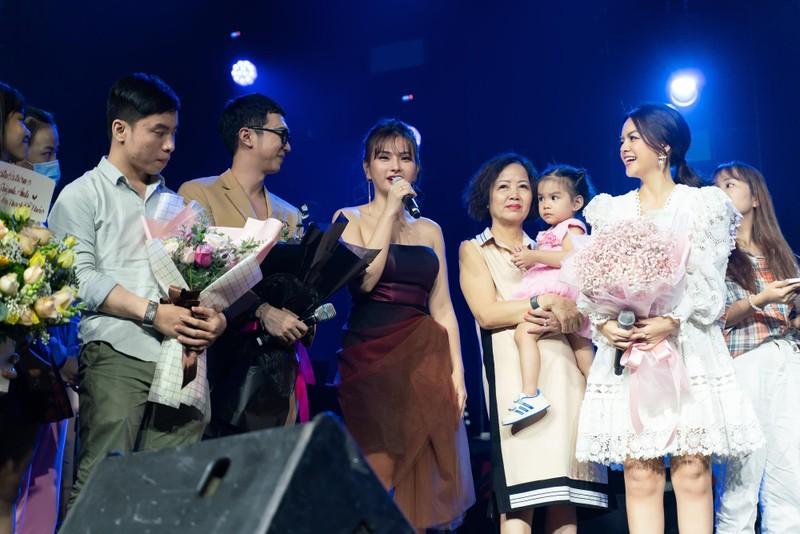 Phạm Quỳnh Anh tái hiện một loạt hit trong 3 tiếng - ảnh 6