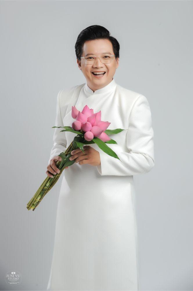 MC Phước Lập nặng tình cùng áo dài - ảnh 3