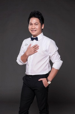 Trọng Tấn lần đầu tiên làm liveshow cùng ban nhạc Anh Em - ảnh 1