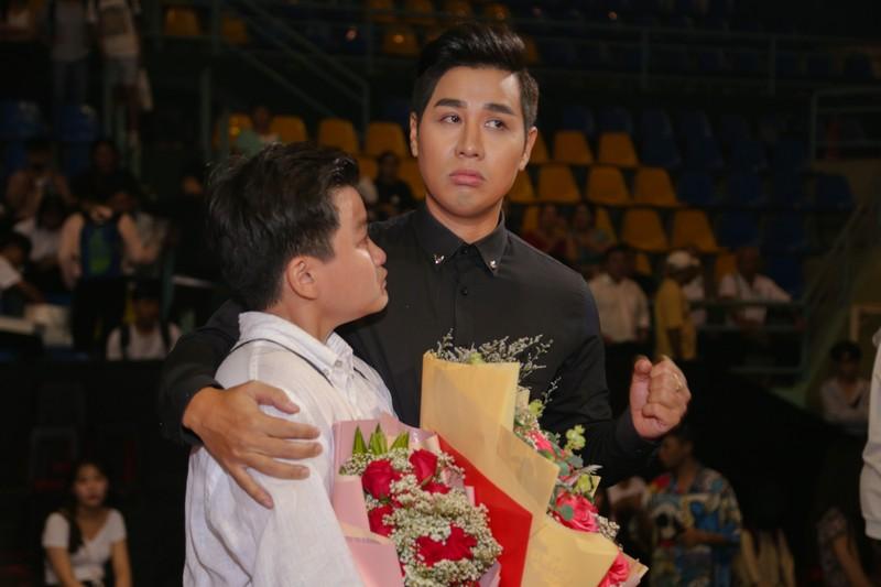 MC Nguyên Khang đọc nhầm giải tại The Voice Kids gây dư luận - ảnh 2