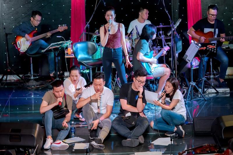 Lệ Quyên tự hào sở hữu dàn nhạc hoàn hảo nhất cho Q show 2 - ảnh 2