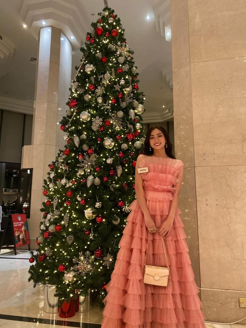 Lương Thùy Linh chọn màu hồng chuẩn gu Miss World - ảnh 2