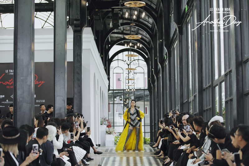 Lương Thùy Linh ngoạn mục lọt top 40 phần thi Top Model - ảnh 4