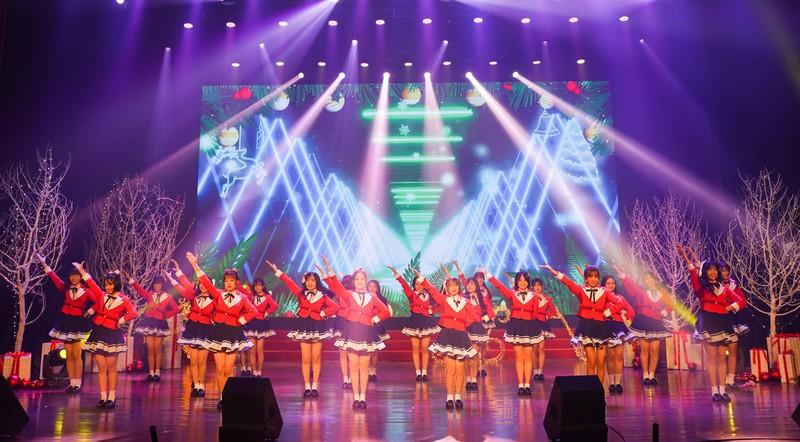 Đêm tiệc Giáng sinh đáng nhớ của nhóm nhạc nhà giàu SGO48 - ảnh 1