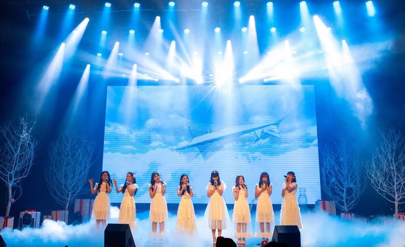 Đêm tiệc Giáng sinh đáng nhớ của nhóm nhạc nhà giàu SGO48 - ảnh 4