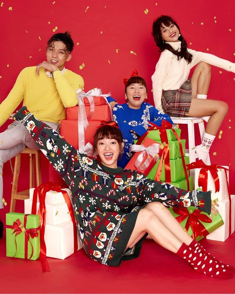 Kaity Nguyễn cùng hội chị em tụ họp dịp cuối năm đón Noel - ảnh 1