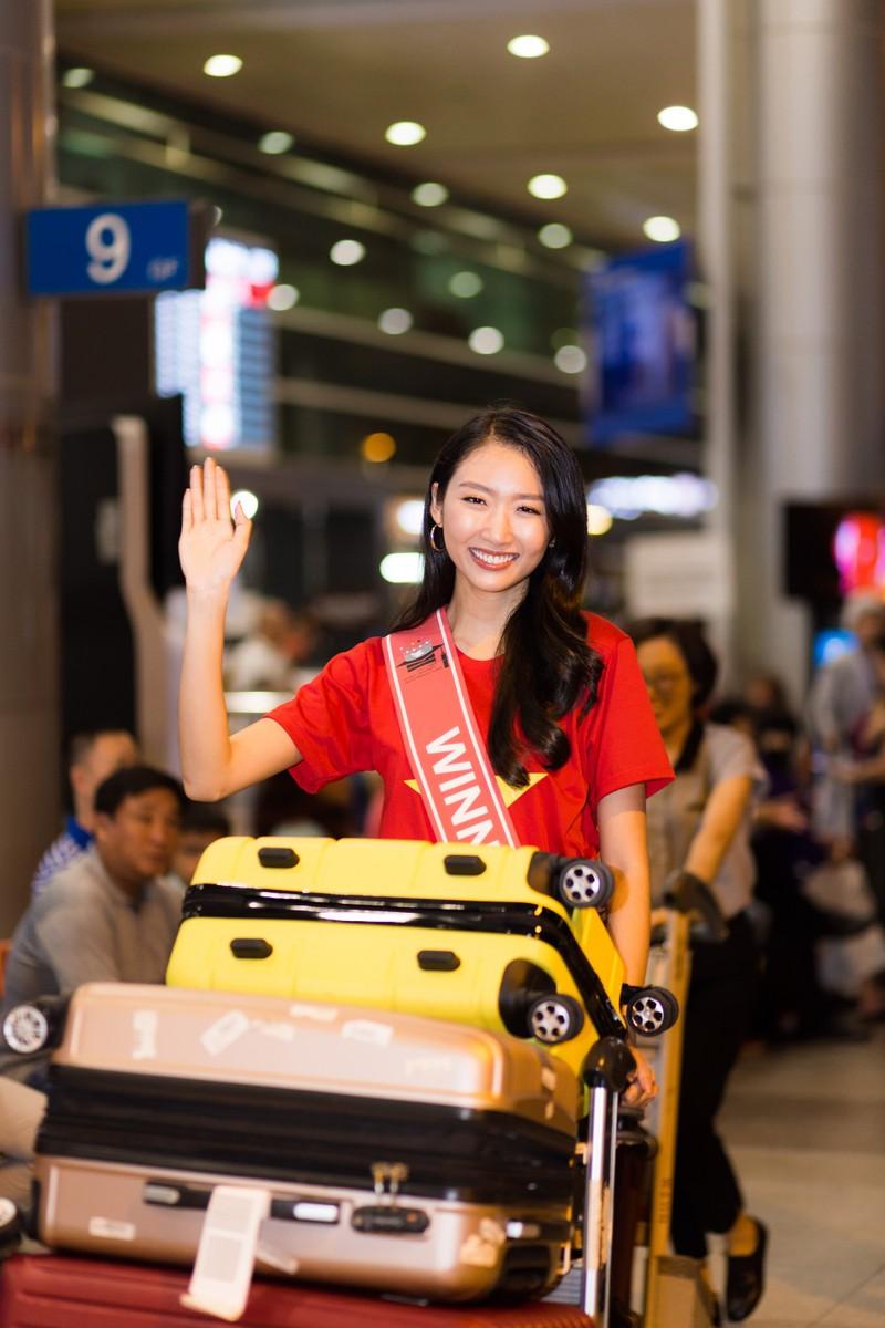 Thanh Khoa trở về Việt Nam sau khi đăng quang hoa khôi   - ảnh 4