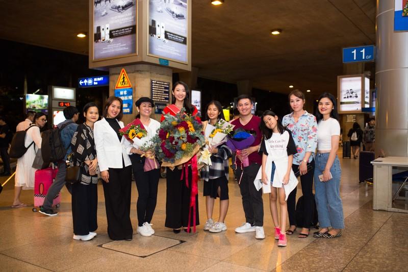 Thanh Khoa trở về Việt Nam sau khi đăng quang hoa khôi   - ảnh 1