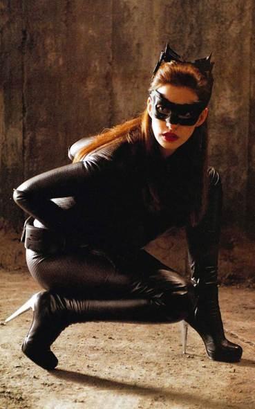 Điểm mặt những gái hư nóng bỏng nhất trong siêu anh hùng DC - ảnh 8