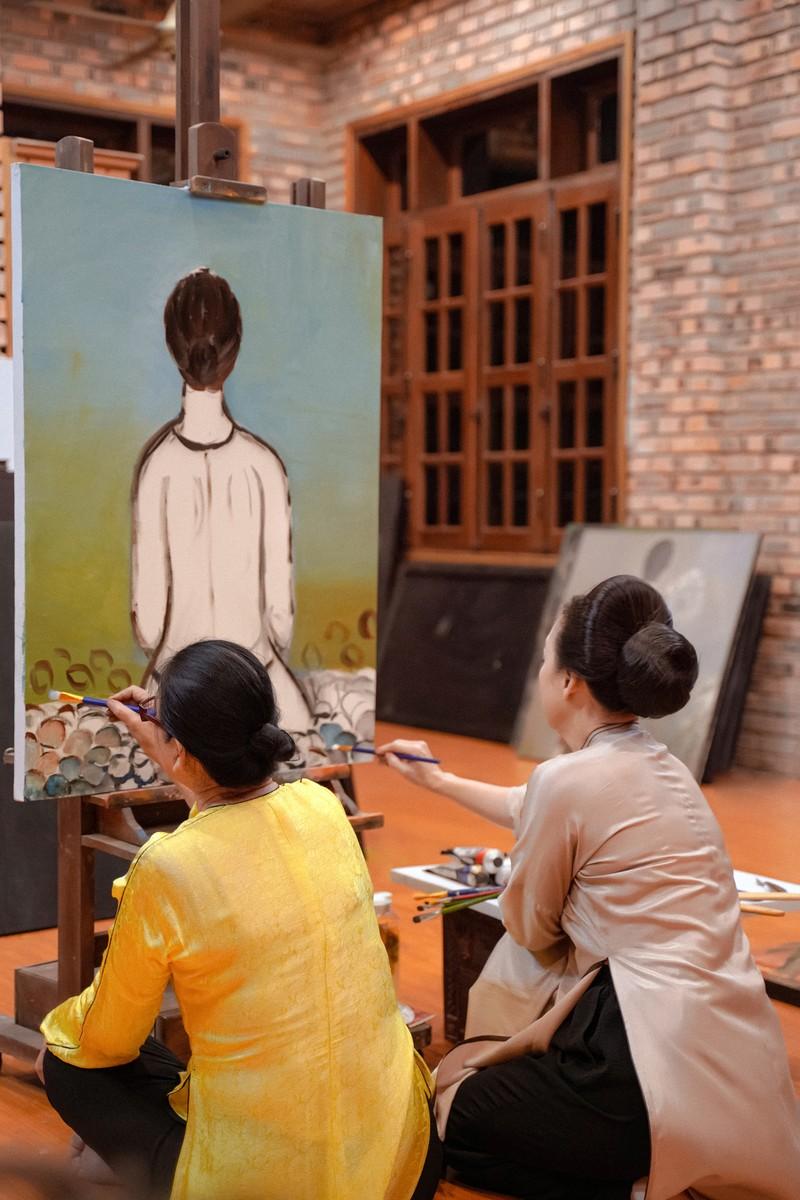 NSND Lê Khanh tìm đến tận tư gia nhân vật hình mẫu để học vẽ - ảnh 7