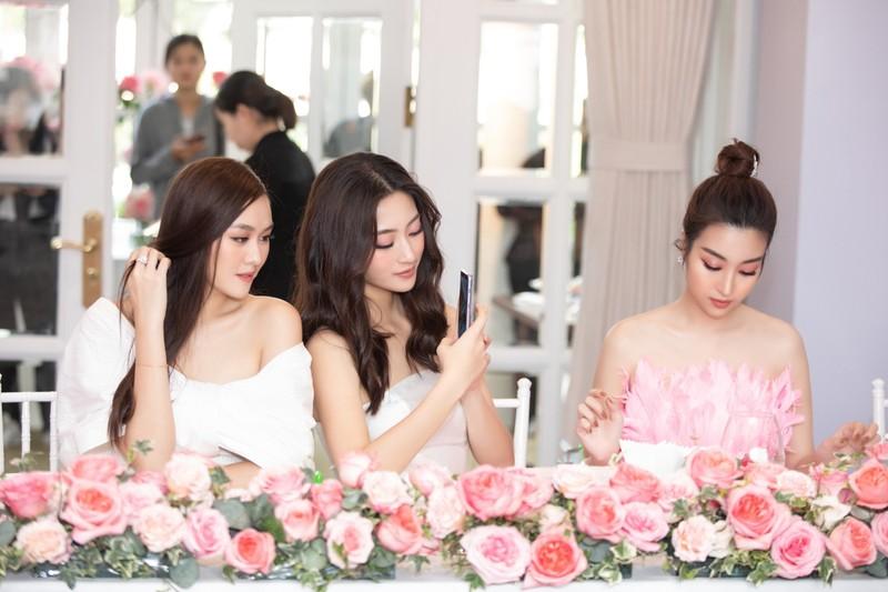 Dàn hậu kêu gọi bạn nữ dự thi Hoa hậu Việt Nam 2020 - ảnh 3