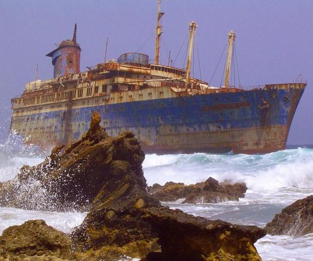Những bức hình đáng kinh ngạc về những nơi bị bỏ hoang  - ảnh 13