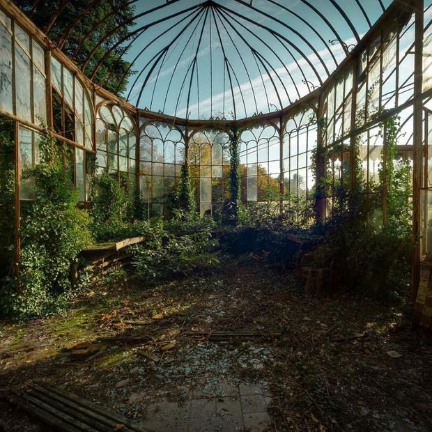 Những bức hình đáng kinh ngạc về những nơi bị bỏ hoang  - ảnh 22