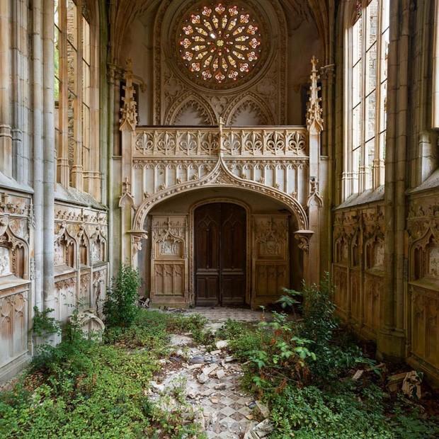 Những bức hình đáng kinh ngạc về những nơi bị bỏ hoang  - ảnh 9