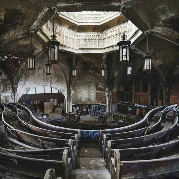 Những bức hình đáng kinh ngạc về những nơi bị bỏ hoang  - ảnh 2