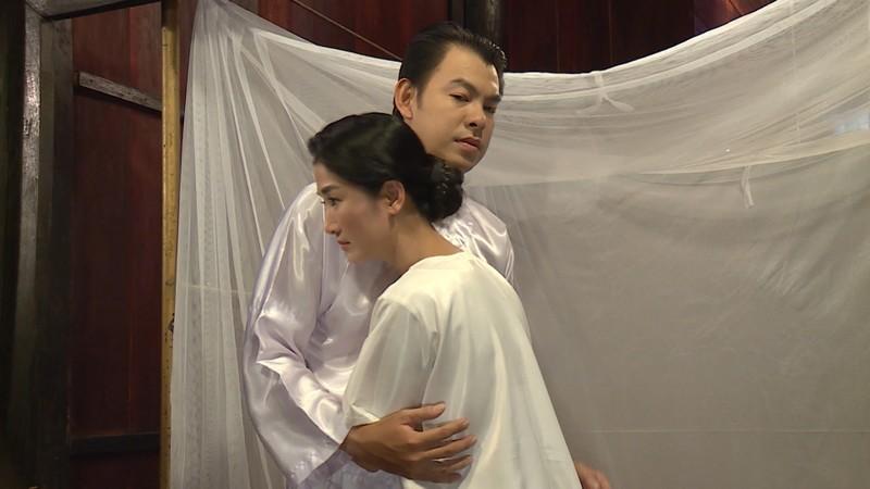 Lạ đời vợ khóc lóc năn nỉ chồng cưới vợ bé trong Luật trời - ảnh 3