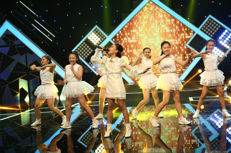 Yaya Trương Nhi bất ngờ diện style gái quê tham gia gameshow - ảnh 5