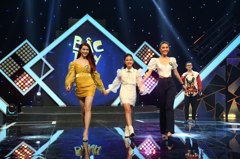 Yaya Trương Nhi bất ngờ diện style gái quê tham gia gameshow - ảnh 6
