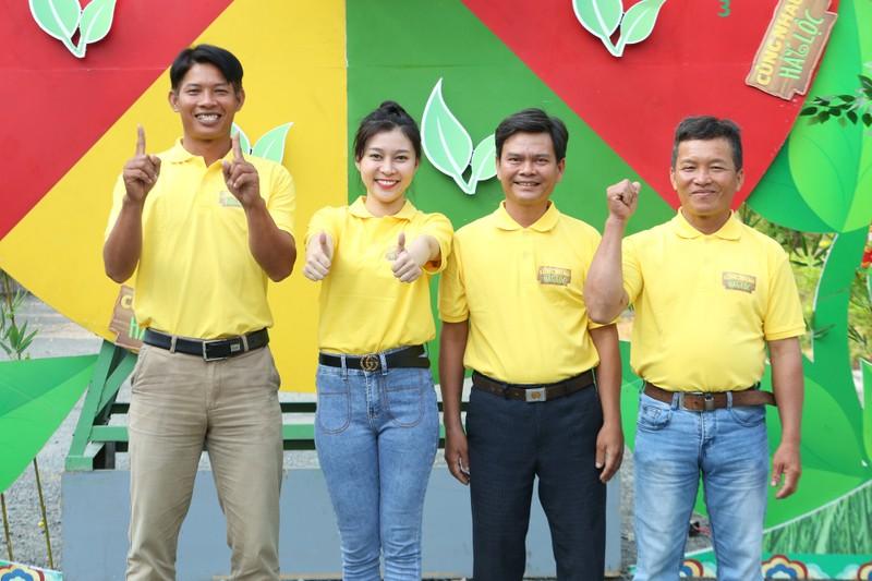 Hùng Thuận giúp bà con Long An trong Cùng nhau hái lộc - ảnh 3