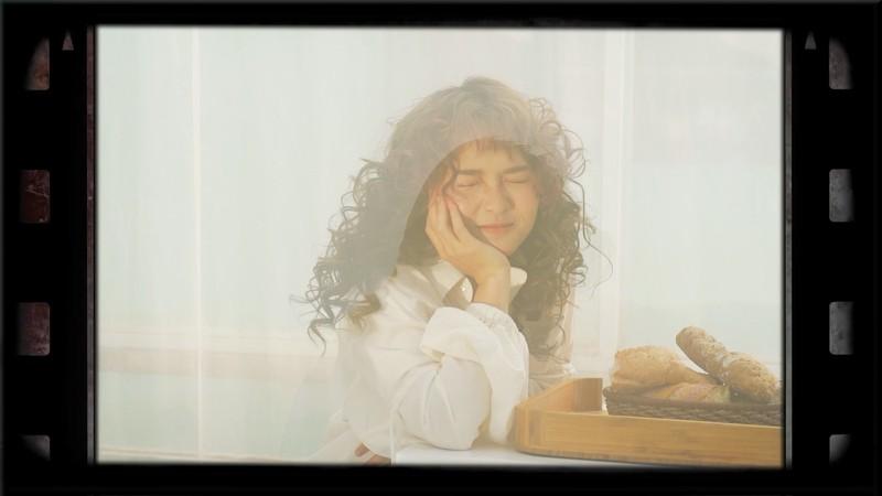 Soho phiêu lãng trong MV mới cùng cô nàng Simple Love - ảnh 4