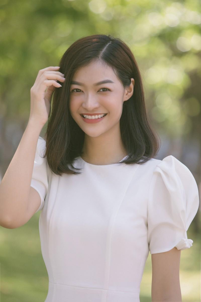 Á hậu Kiều Loan khoe sắc trong trang phục áo dài 3 miền - ảnh 6