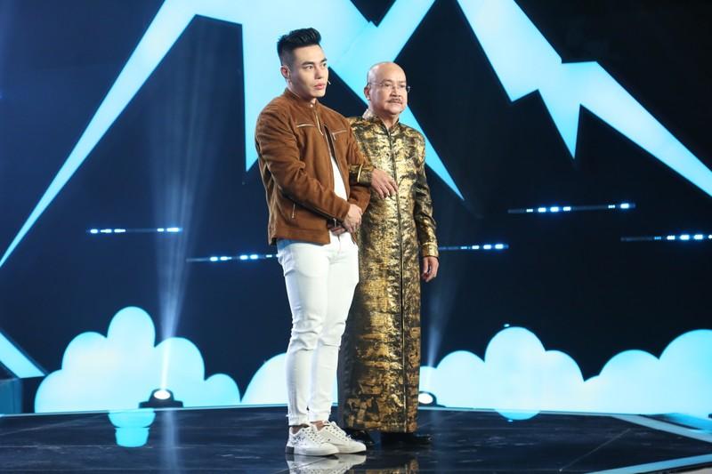 Nghệ sĩ Hoàng Sơn khó chịu với MC Dương Lâm vì ghế nóng  - ảnh 2