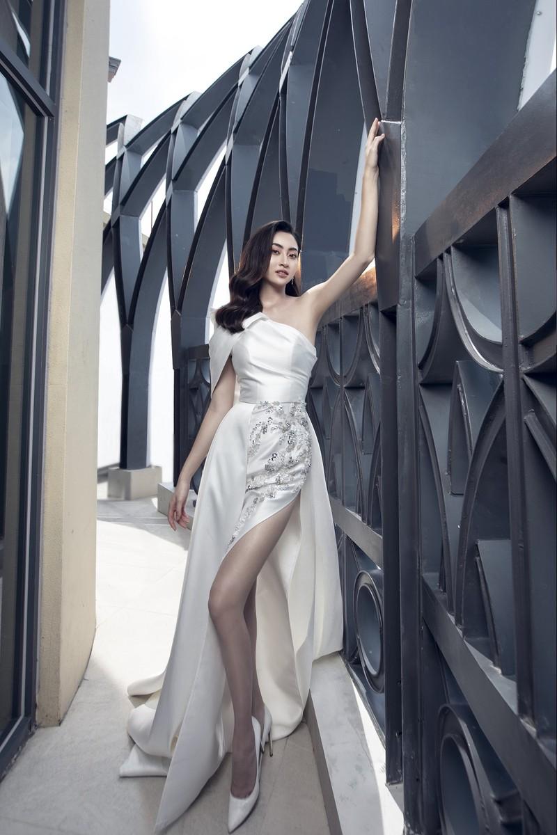Lương Thuỳ Linh tung bộ ảnh mới hoá thân thành Cinderella - ảnh 4