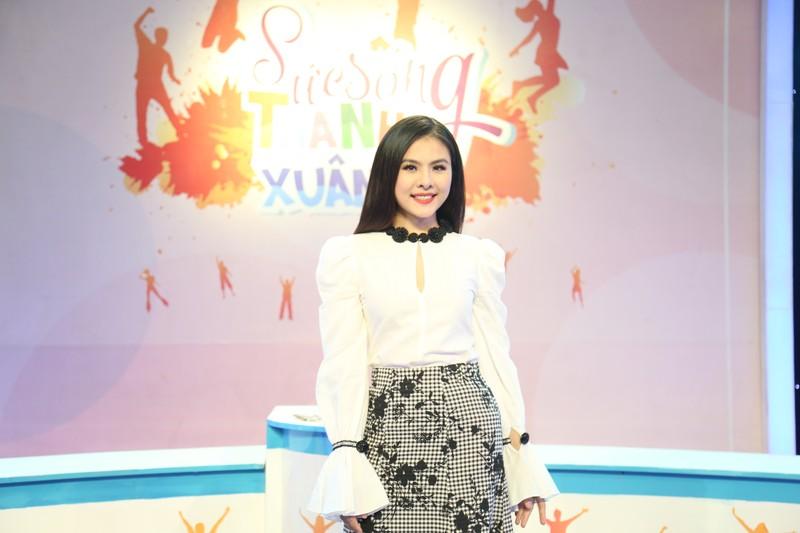 Vân Trang, Tường Vi ủng hộ giới trẻ kết hôn sớm  - ảnh 1