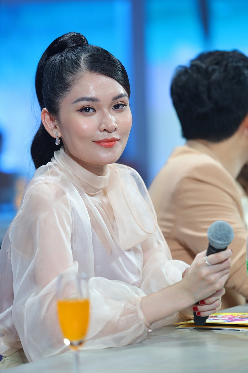 Á hậu Thùy Dung đọ dáng với hoa hậu H'Hen Niê, Khánh Vân - ảnh 1