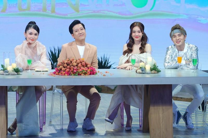 Á hậu Thùy Dung đọ dáng với hoa hậu H'Hen Niê, Khánh Vân - ảnh 3