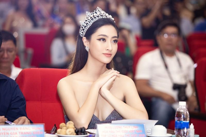 Lương Thuỳ Linh tiếp tục ngồi ghế nóng ở tuổi 20 - ảnh 2