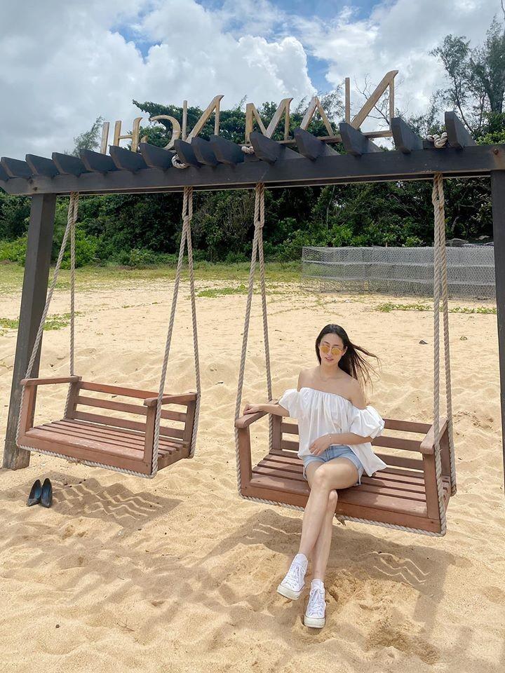 Hoa hậu Lương Thùy Linh khoe body với bikini gợi cảm - ảnh 3