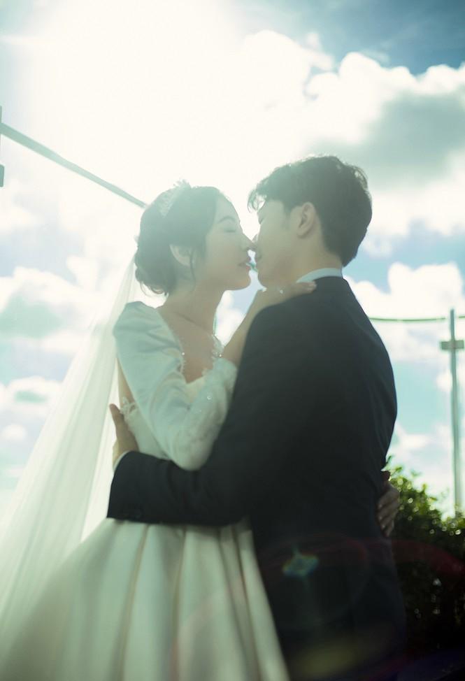 Á hậu Thúy Vân tung ảnh cưới đẹp lung linh trước thềm hôn lễ - ảnh 6