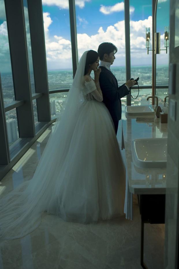 Á hậu Thúy Vân tung ảnh cưới đẹp lung linh trước thềm hôn lễ - ảnh 2