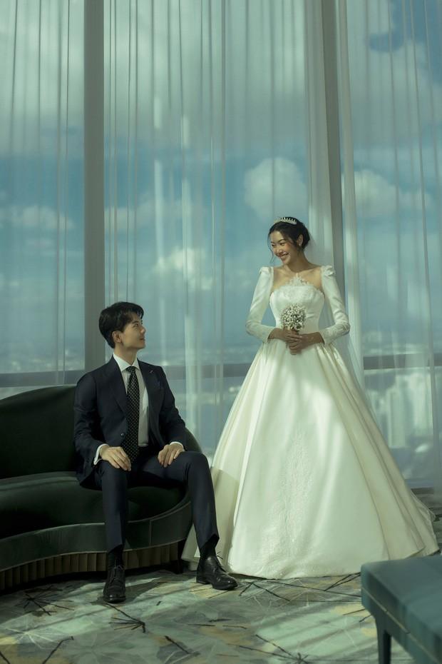 Á hậu Thúy Vân tung ảnh cưới đẹp lung linh trước thềm hôn lễ - ảnh 4