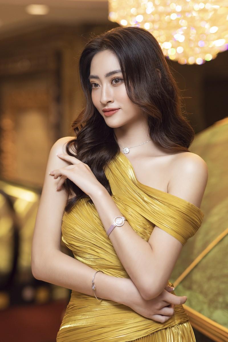 Hoa hậu Lương Thùy Linh làm giám đốc ở tuổi 20 - ảnh 2