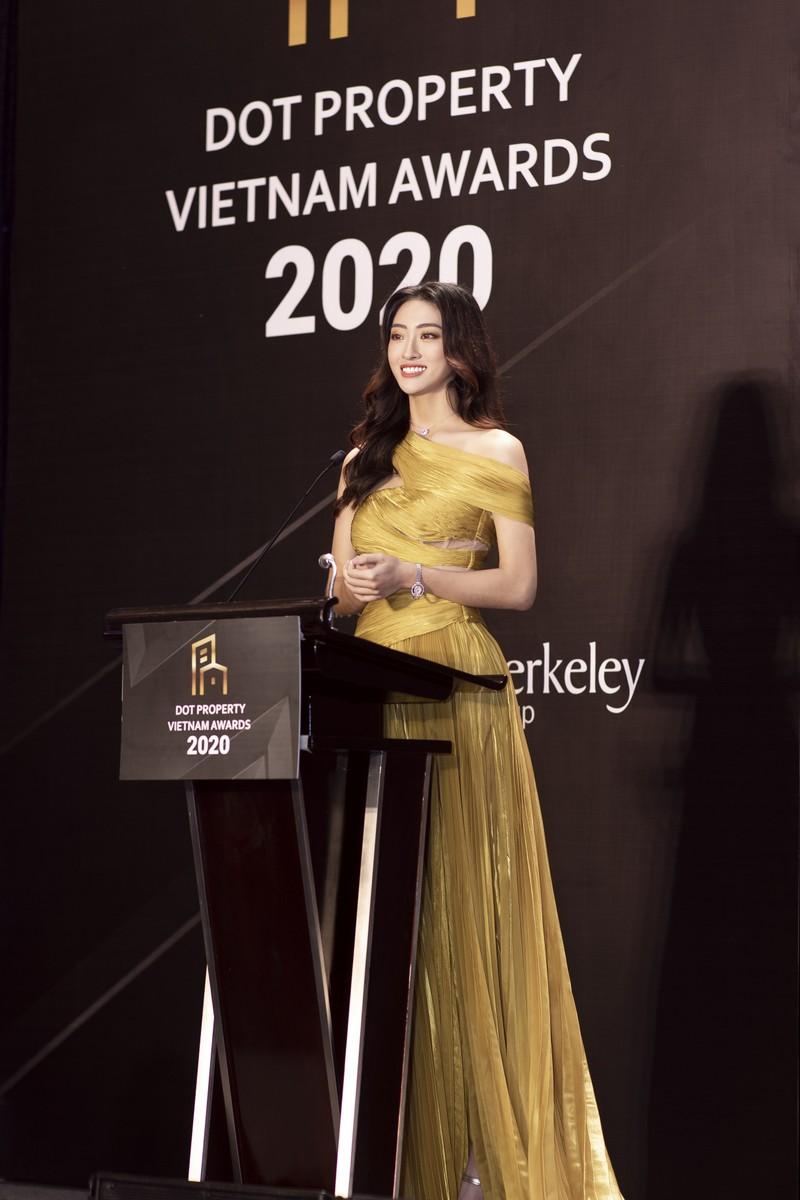 Hoa hậu Lương Thùy Linh làm giám đốc ở tuổi 20 - ảnh 4