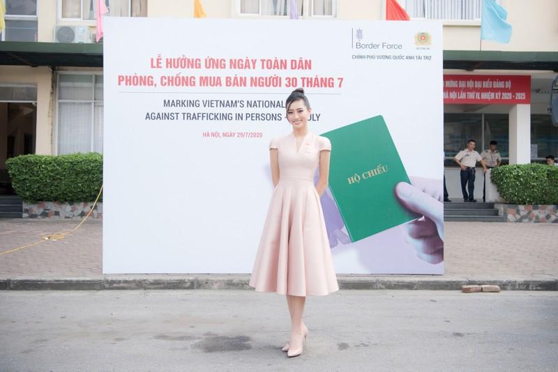 Hoa hậu Lương Thùy Linh tuyên truyền phòng chống mua bán người - ảnh 5