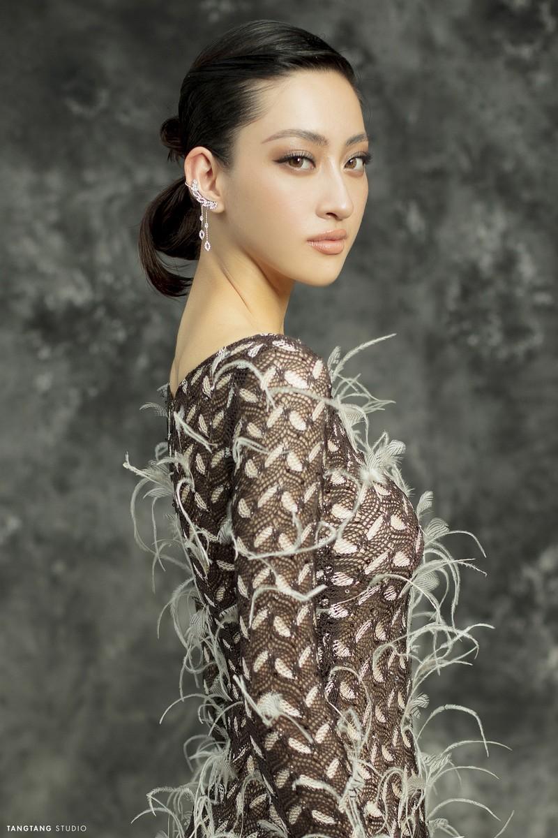 Lương Thùy Linh thay đổi hình tượng trong bộ ảnh sinh nhật  - ảnh 3