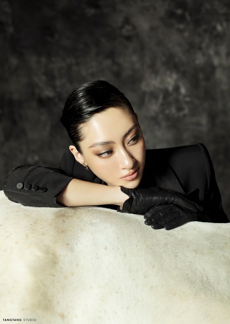 Lương Thùy Linh thay đổi hình tượng trong bộ ảnh sinh nhật  - ảnh 6
